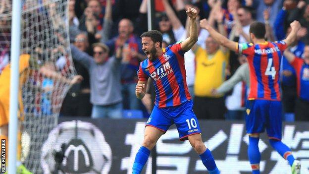 Crystal Palace's Andros Townsend celebrates