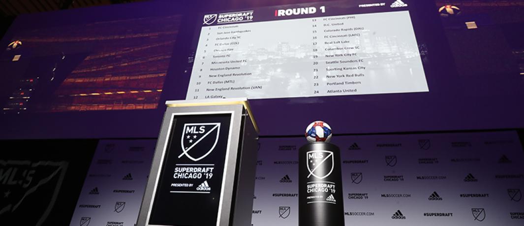 2019 SuperDraft - podium and big board